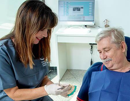 starije-osobe-kod-zubara